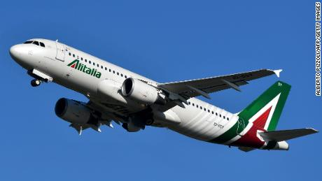 An Airbus A320 bearing the livery of Alitalia airline takes off from Rome's Fiumicino airport on May 31, 2019. (Photo by Alberto PIZZOLI / AFP) (Photo credit should read ALBERTO PIZZOLI/AFP via Getty Images)