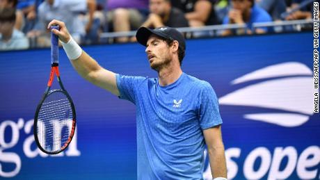 Andy Murray não gostou das longas pausas de Stefanos Tsitsipas.