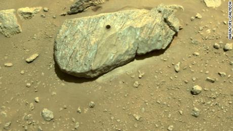 O rover persistente conseguiu coletar a primeira amostra de Marte