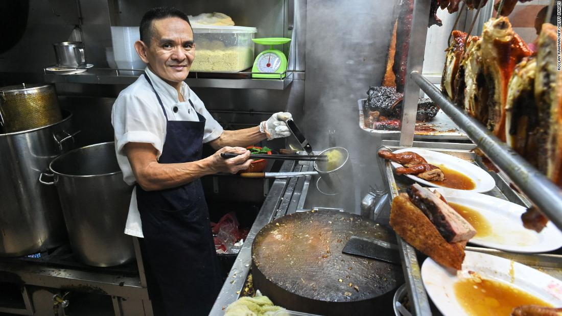 Famed Singaporean eatery Hawker Chan loses its Michelin star