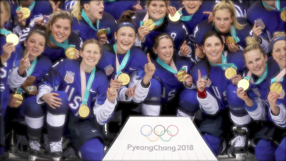 Image for US female athletes' fight for equal pay