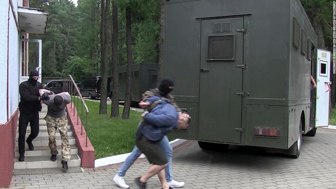 Photo of Ukraine acknowledges sting operation for first time following CNN report | CNN