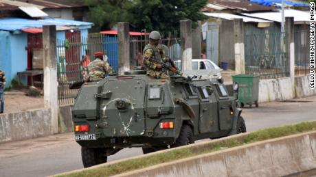 Guinean military officer says President Alpha Conde arrested, as apparent coup unfolds