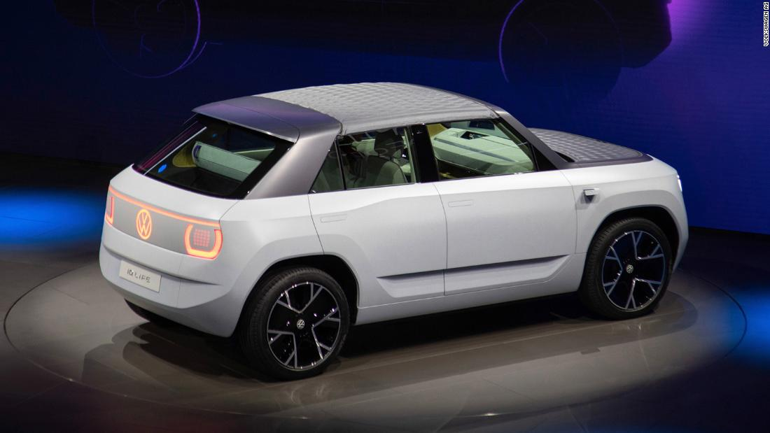 Photo of VW reveals tiny, cheap electric SUV aimed at first-time car buyers