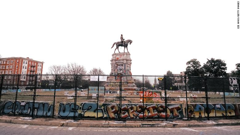 Robert E. Lee statue on historic Virginia street to come down