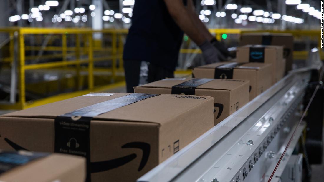 Amazon paye les frais de scolarité des travailleurs américains