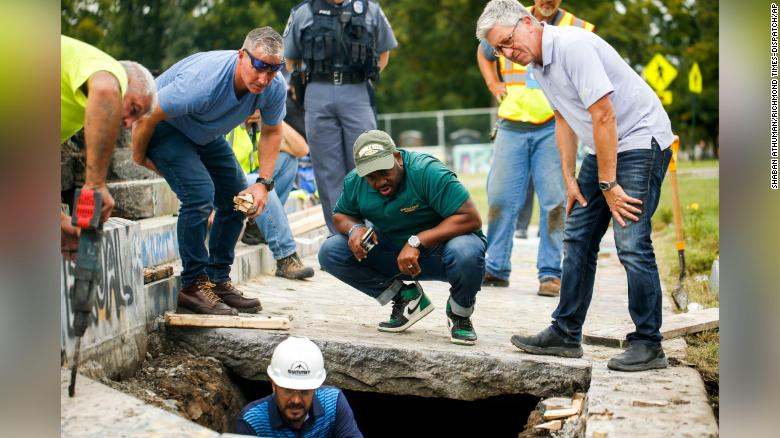 Search for 1887 time capsule under Robert E. Lee monument a lost cause, official says