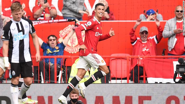 Cristiano Ronaldo scores two goals on his return to Manchester United