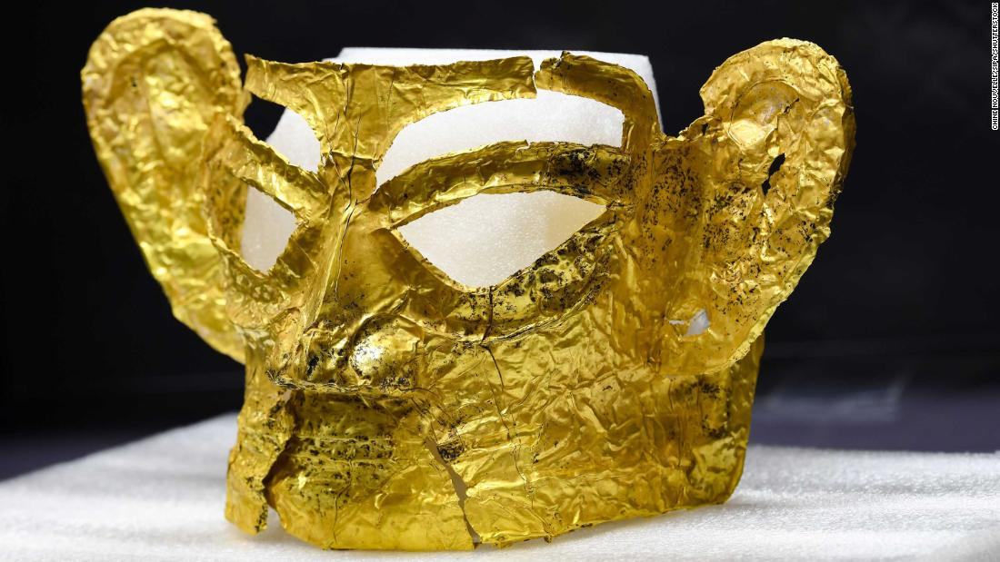 Gold mask among 3,000-year-old relics unearthed from sacrificial pits