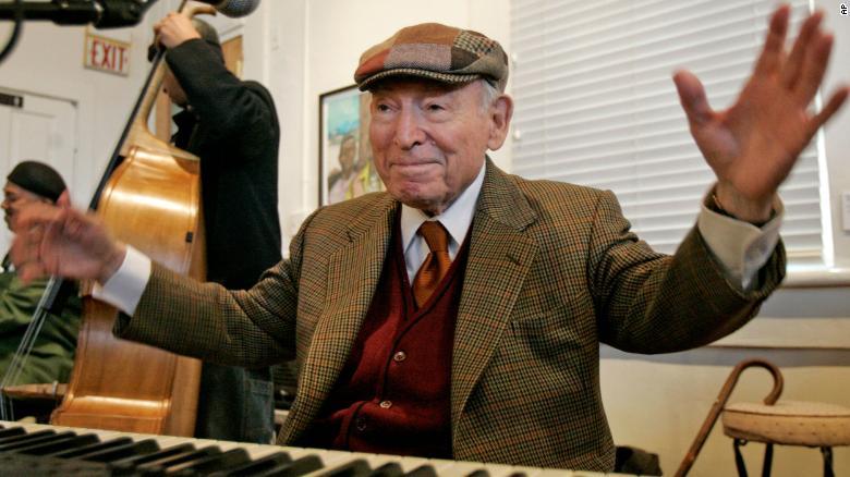 George Wein, whose Newport Jazz Festival inspired modern music festivals, dies at 95