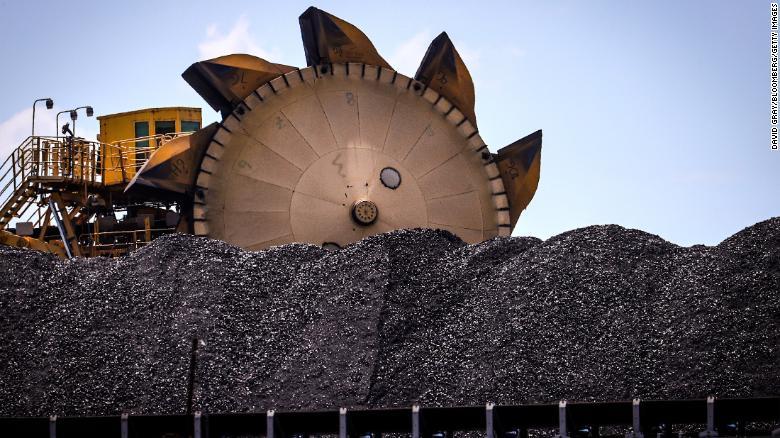 Un montón de carbón en el puerto de Newcastle en Nueva Gales del Sur, Australia, el 12 de octubre de 2020.