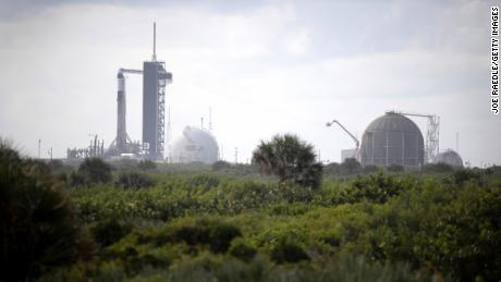 SpaceX pone en órbita la primera tripulación totalmente turística