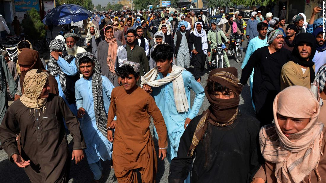 Taliban gives thousands of Kandahar residents three days to leave their homes, protesters say