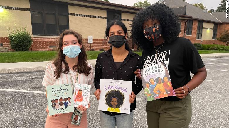 Students fight back against a book ban that has a Pennsylvania community divided