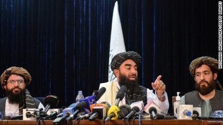La communauté LGBTQ d'Afghanistan dit qu'elle est traquée après la prise de contrôle des talibans