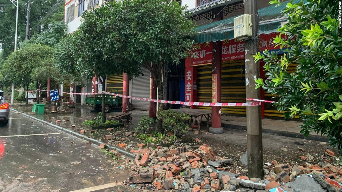 Sichuan earthquake leaves three dead and 60 injured