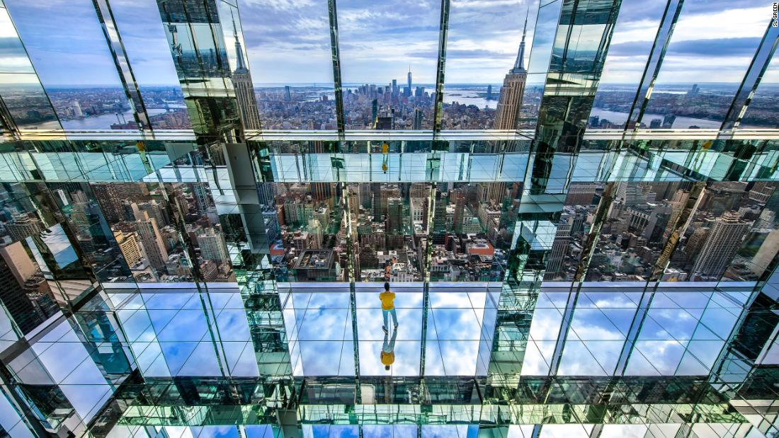 Dizzying glass box observatory to open high above New York