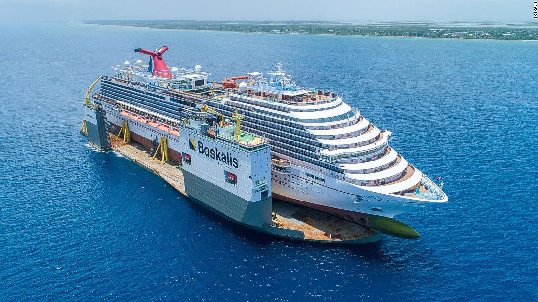 The gigantic boat that can carry cruise ships