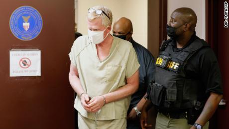 Alex Murdaugh walks into his bond hearing on Thursday, September 16, 2021, in Varnville, South Carolina.