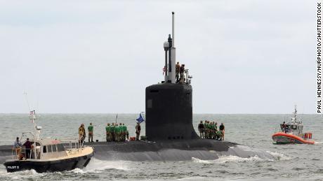 L'USS Indiana, un sous-marin d'attaque à propulsion nucléaire, quitte Port Canaveral en Floride le 1er octobre 2018.
