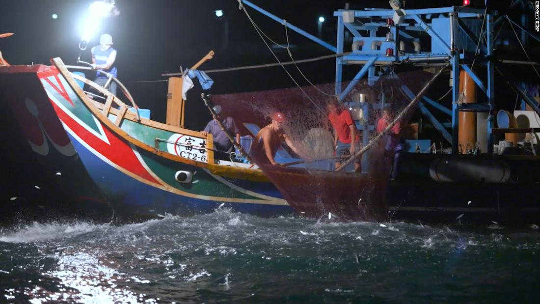 Fishing with fire in Taiwan – CNN Video