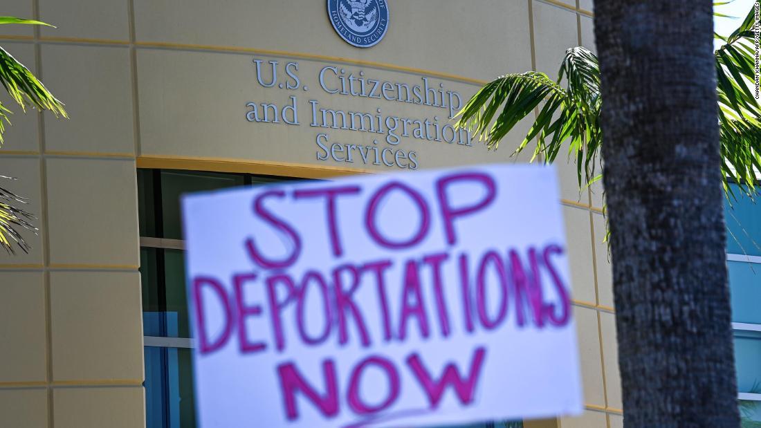 Democratic lawmakers urge Biden administration to halt deportations to Haiti