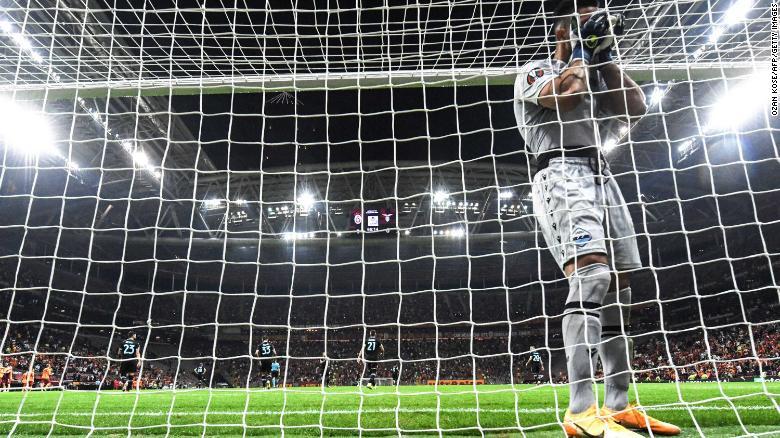 Own goal of the year? Goalkeeper Thomas Strakosha's bizarre mistake gifts Galatasaray victory