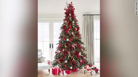 Balsam Hill đang tăng giá một cây thông Noel nhân tạo lên 20% trong năm nay.