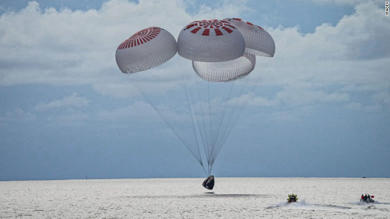 SpaceX's Inspiration4 Civilian Crew Return to Earth After Three Days in Orbit