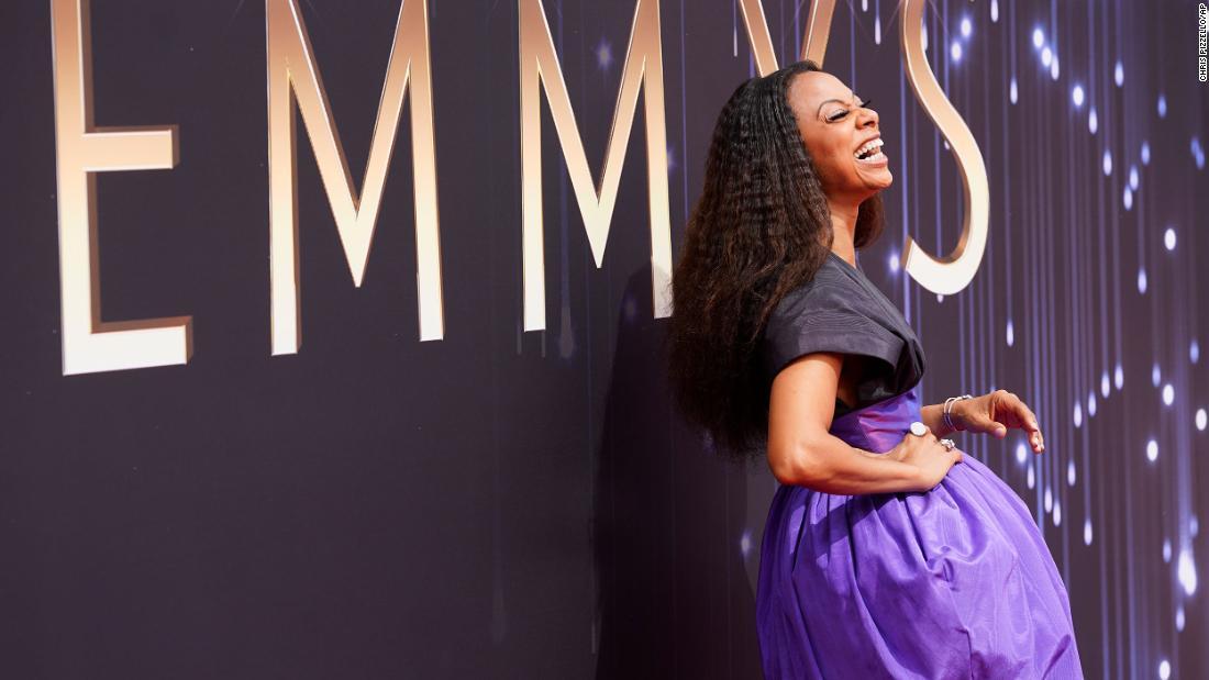 Photos: Emmys red carpet 2021
