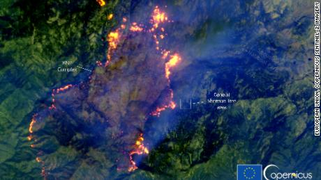 This satellite image by Copernicus shows the KNP Complex fire in California moving towards the site of General Sherman, the largest single stem tree in the world.