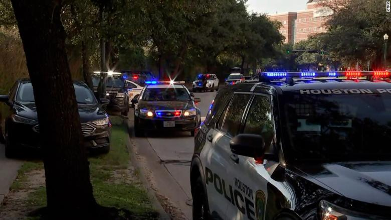 2 Houston police officers shot while executing a warrant. A possible suspect is dead