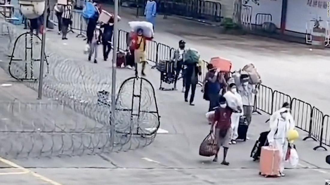 Video: China building barbed wire wall at Myanmar border