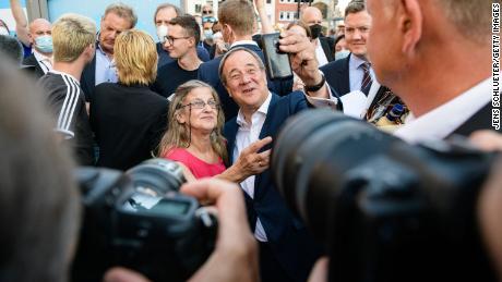 Laschet venceu uma longa campanha de liderança para substituir Merkel, mas está lutando para atrair eleitores no cenário nacional.