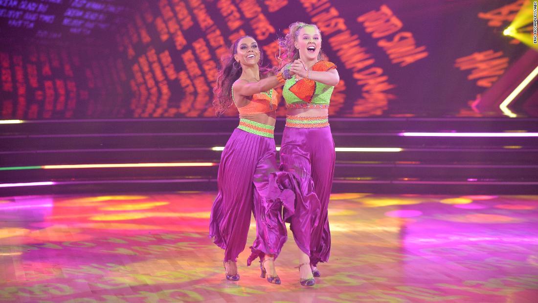 Jojo Siwa's same-sex duet makes history on 'Dancing with the Stars'