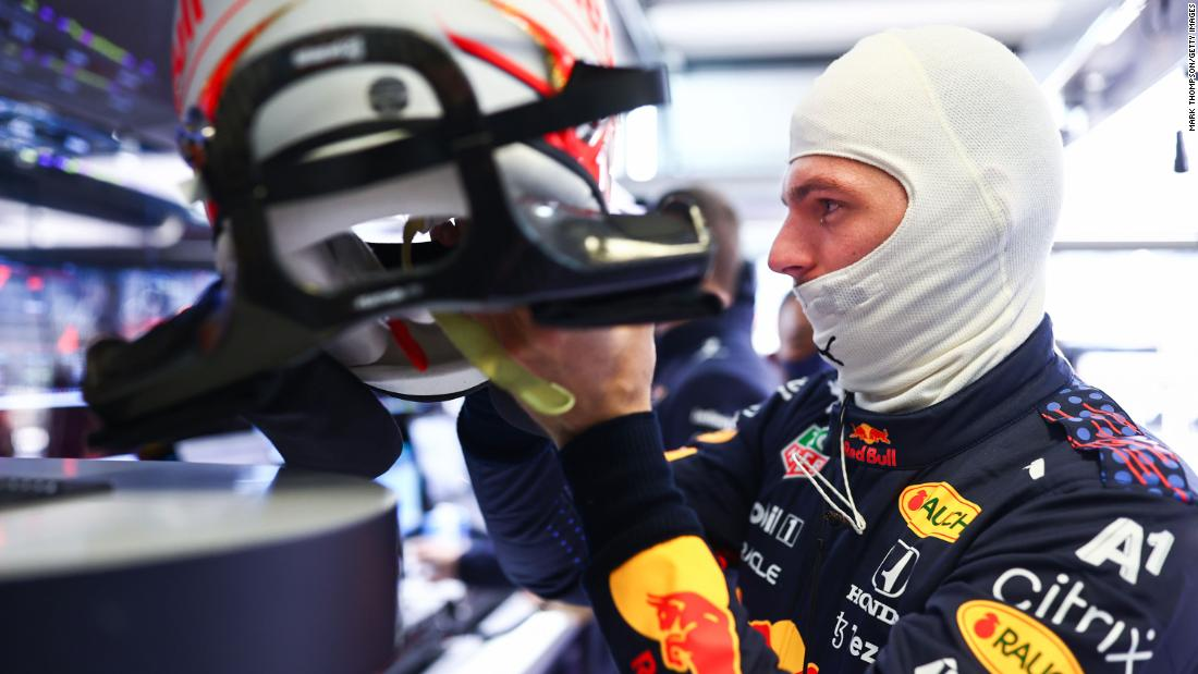 Verstappen to start at back of Russian GP following engine change