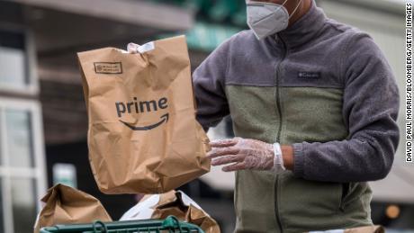 Whole Foods agrega una tarifa de envío a los pedidos realizados a través de Amazon Prime.