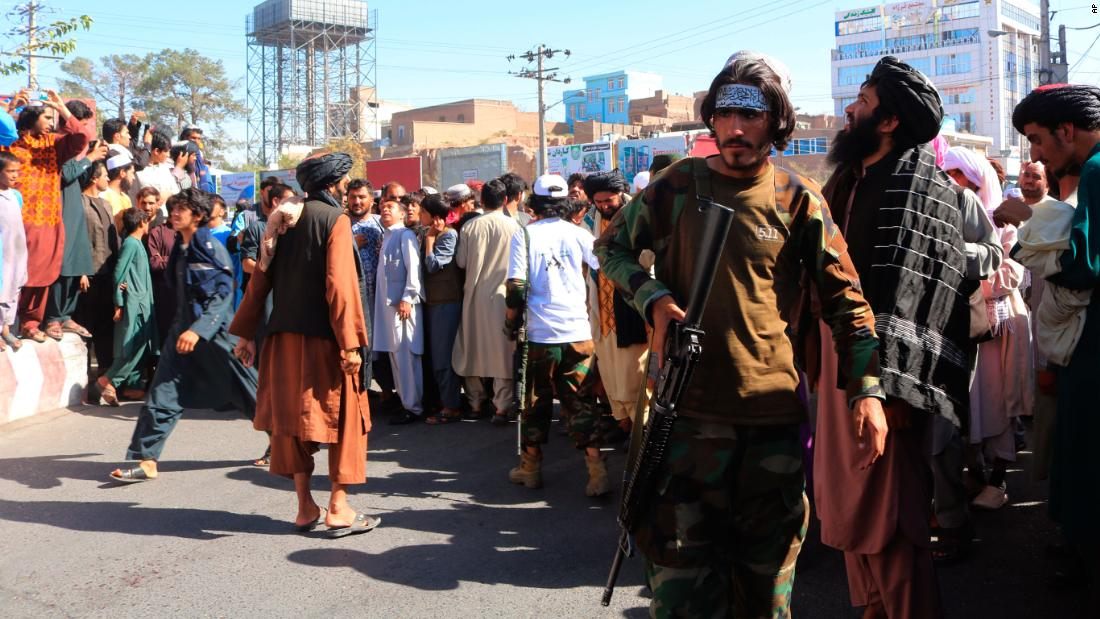 Taliban displays alleged kidnappers' bodies