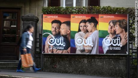La Suisse vote la légalisation du mariage homosexuel à près des deux tiers