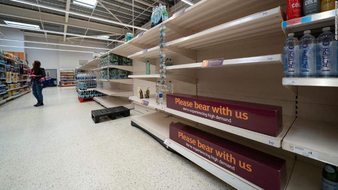 210928090736-empty-grocery-shelves-uk-09