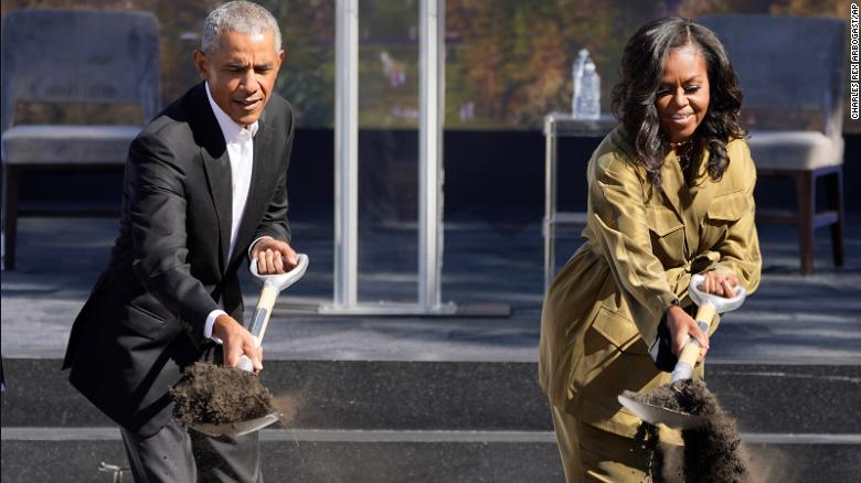 Obama breaks ground on presidential library in Chicago