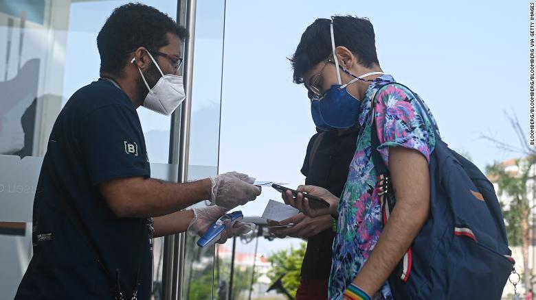 Judge suspends vaccine passports in Rio de Janeiro, declaring them 'divisive'