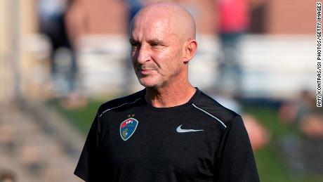 Đội tuyển Liên đoàn bóng đá nữ Quốc gia North Carolina Courage sa thải huấn luyện viên trưởng sau những cáo buộc thao túng và hành vi sai trái tình dục