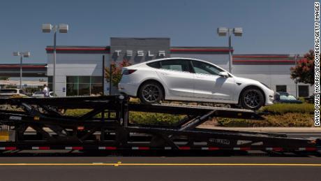 Tesla ожидает скачка производства в третьем квартале