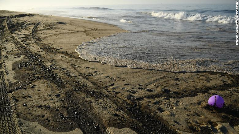 An oil spill off the California coast destroyed a wildlife habitat and caused dead birds and fish to wash up on Huntington Beach, officials say
