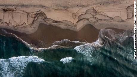 Крупный разлив нефти у берегов Южной Калифорнии угрожает берегам от Хантингтон-Бич до Лагуна-Бич