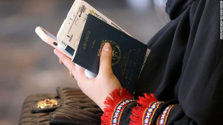 Taliban to resume issuing passports to Afghan citizens