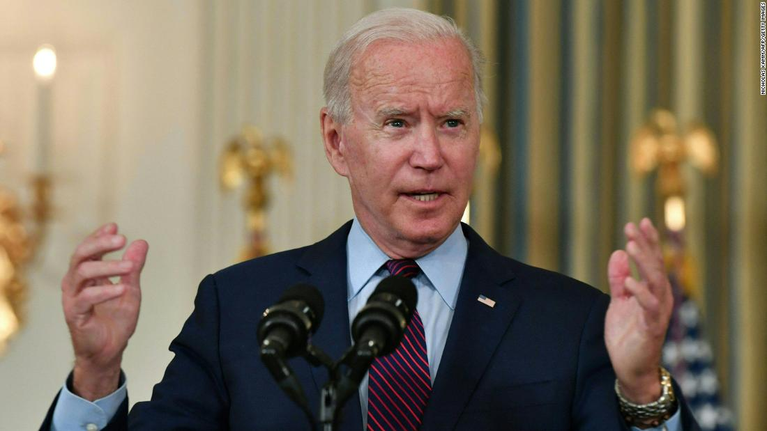 Biden heads to Chicago to push Covid-19 vaccine requirements