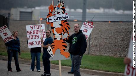 John Deere strike: workers union rejects wage deal