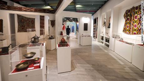 كان جناح أفغانستان فارغًا في بداية المعرض ، لكنه مفتوح الآن.